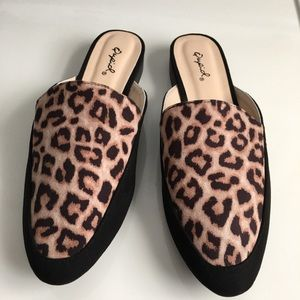 Qupid Leopard Open Back Loafers Mules Size 7